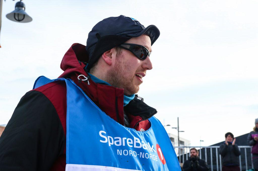 Hans Petter Harangen er rookie og kom inn med åtte freshe siberianhuskier over mållinja. (Foto: Marit L. Abrahamsen)